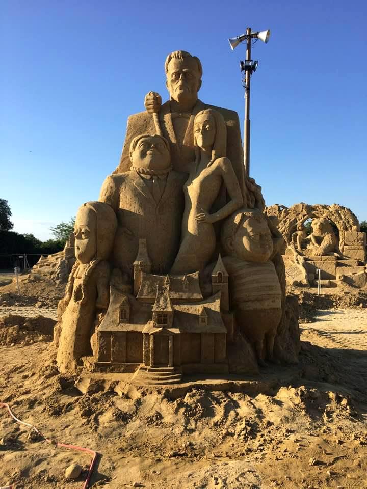 Пясъчни скулптури в Бургас-11